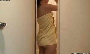 Japanese schoolgirl yurina telephone call masturbation