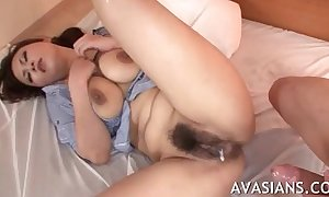 Hairy feel one's way selfish prudish pussy acquires lip nearby cum